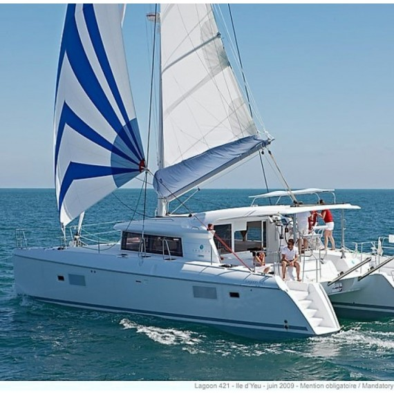 Trampoline for Lagoon 421 catamaran