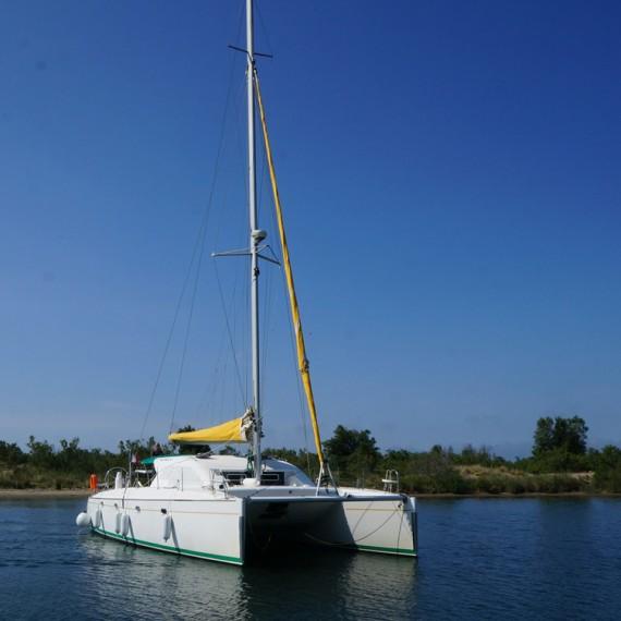 Trampoline for Nautitech 435 catamaran