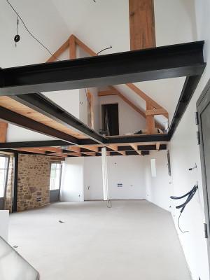 Maßgefertigte Stahlkonstruktion für ein Hausnetz