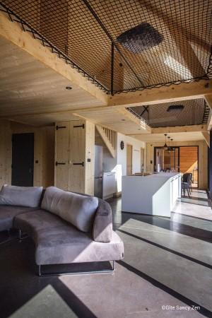Gîte Sancy Zen – Mezzanines design en filets d'habitation suspendus
