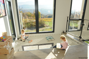 A play area for children: the housing net