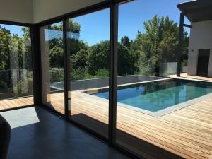 Bain de soleil géant pour agrandir l'espace piscine