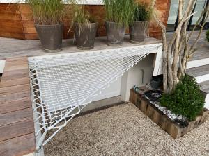 Giant hammock for terrace