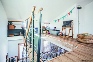 Playroom with living net