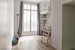 Sécurisez l'espace jeux de votre enfant avec un filet mezzanine.