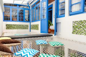 Granada Hostel à Bogota - Double filets supendus dans un patio