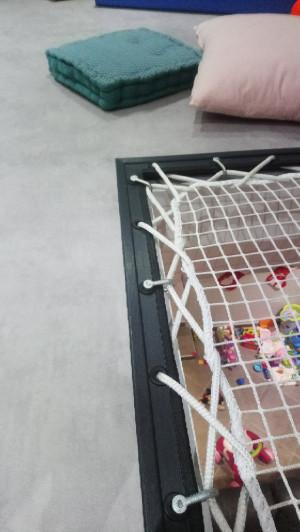 Stahlstruktur und Schäkelbefestigung des Netzes